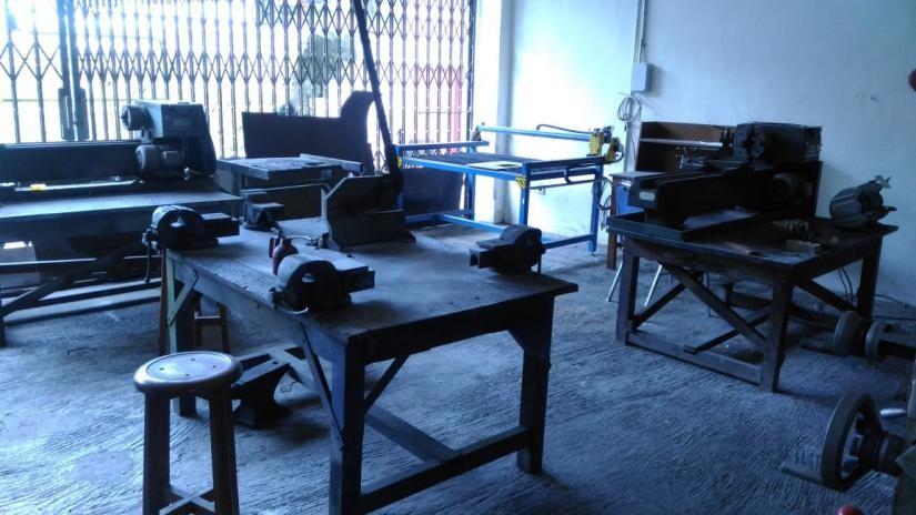 Laboratorium Kerja Bangku